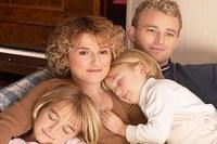 Gerade für junge familien stellt eine gute risikolebensversicherung